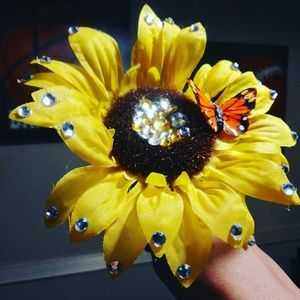 Super Cute Daisy with Butterfly Flower Pen!